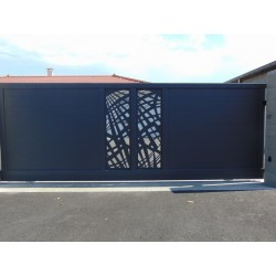 Portail Aluminium Coulissant Design Decoupes Laser Centrales